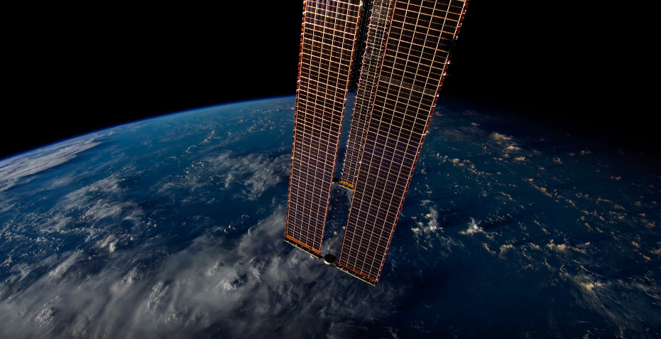 Mesmerizing video, time lapse from the ISS